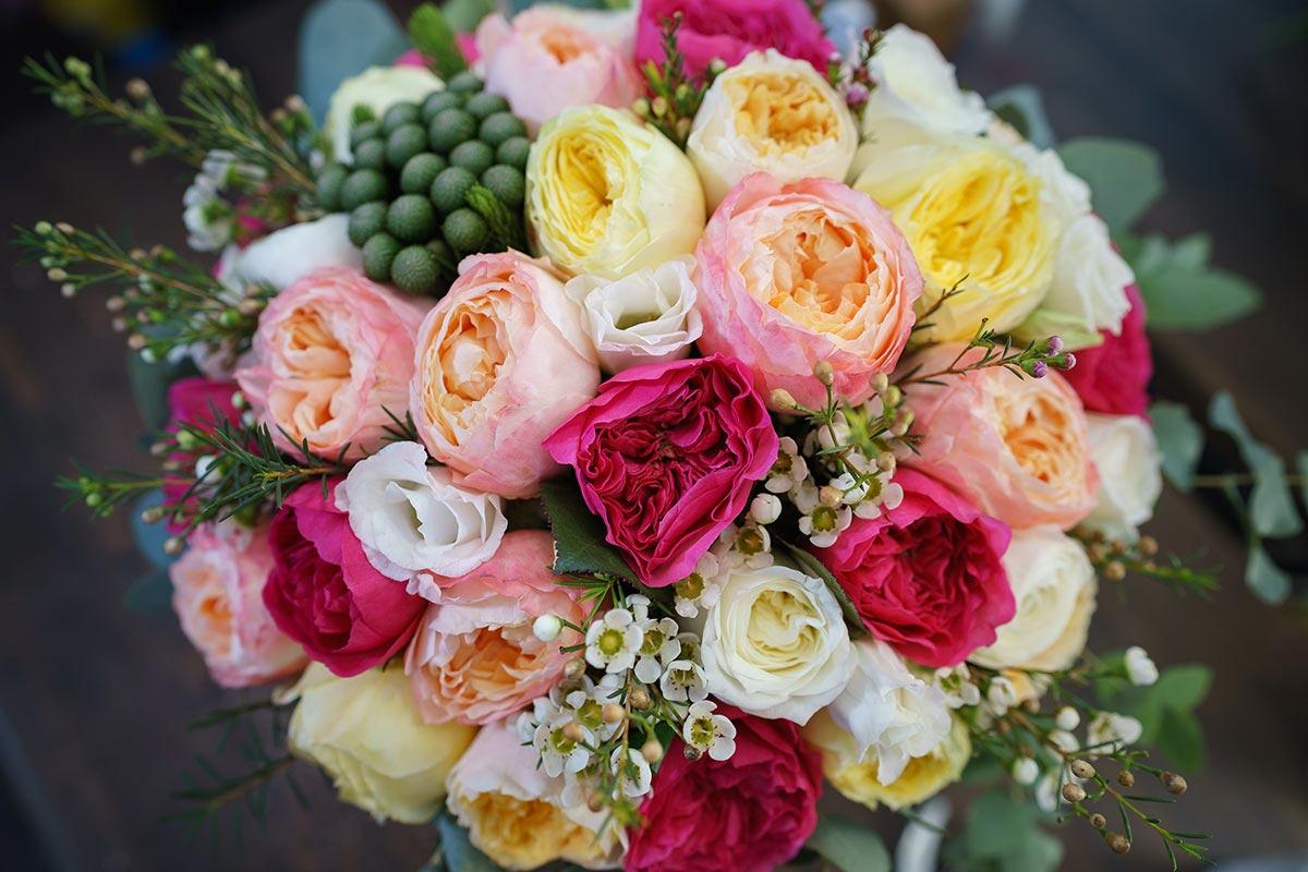 Роскошный свадебный букет из пионовидных роз спб, гвоздики розы фото