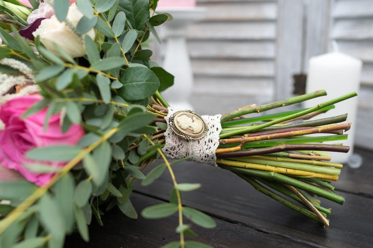 Букет невесты архангельск цены, белых роз