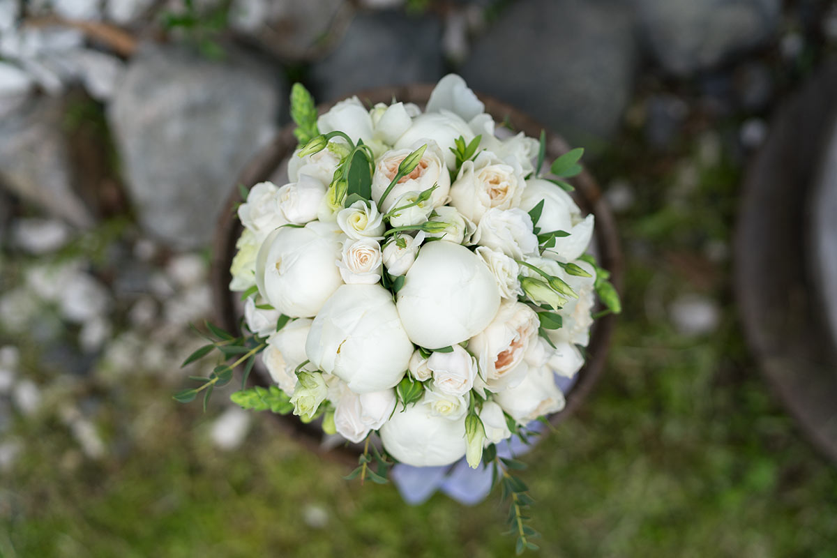 Букет невесты из 7 пионов, цветы