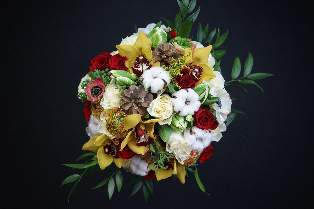 Букет с шишками и розами, подарков запорожье