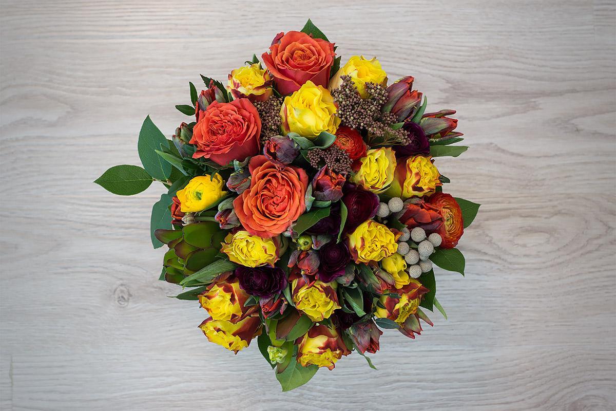 Юбилейные букеты из роз и тюльпанов фото