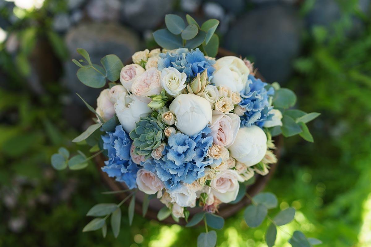 Цветов сызрань, свадебные букеты из гортензий и пионов